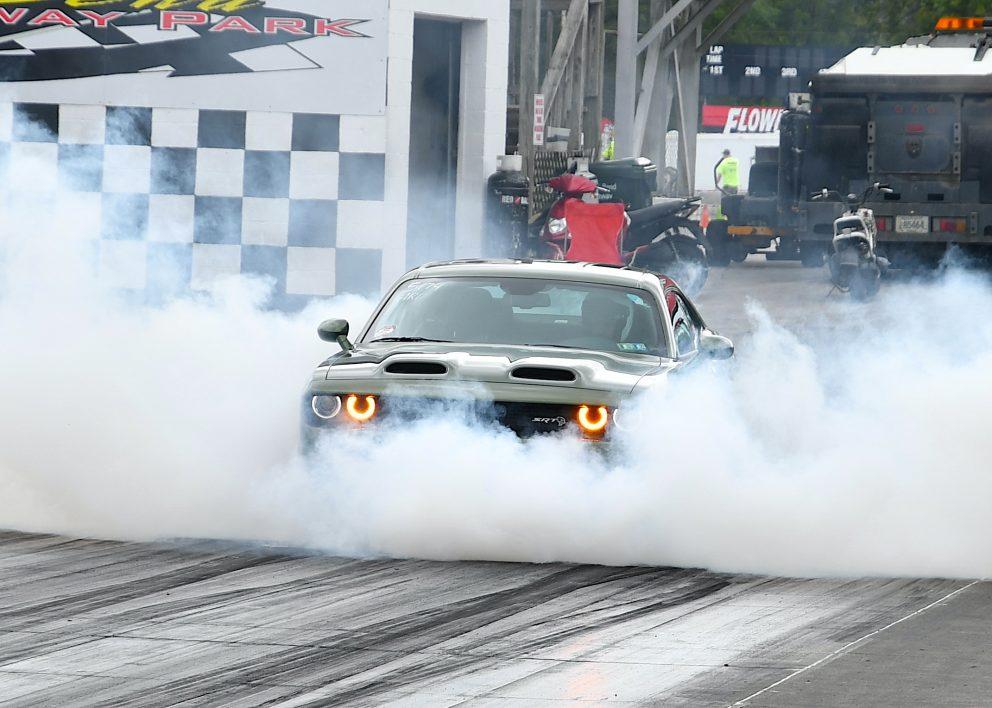 Car drag racing at MoParty