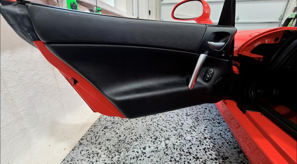 2004 Dodge Viper SRT-10 Convertible door interior